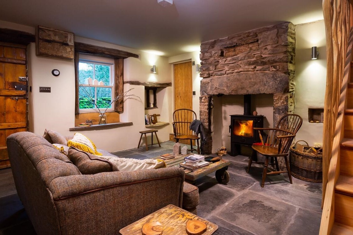 cosy-fire-and-living-area-in-loveday-cottage-staveley-in-cartmel-windermere