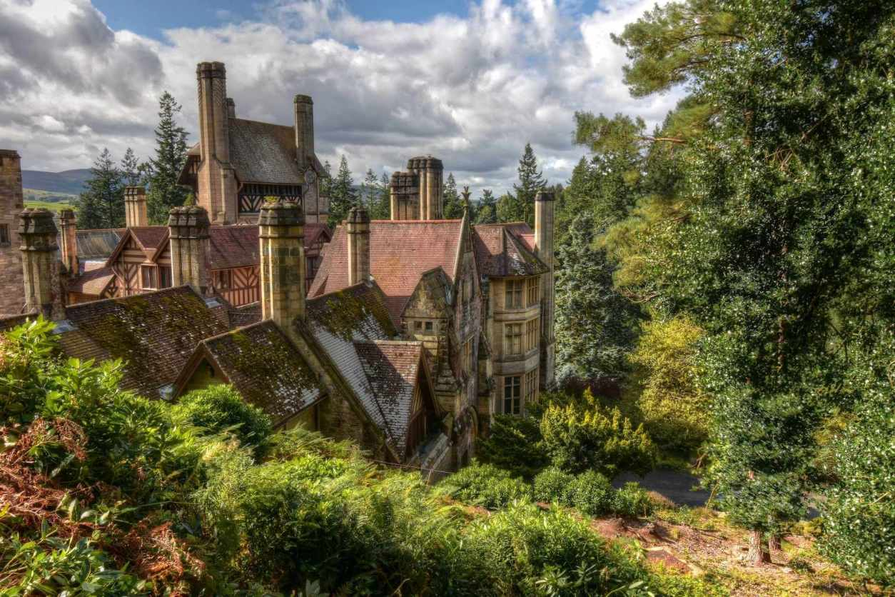 cragside-house-and-gardens-in-daytime