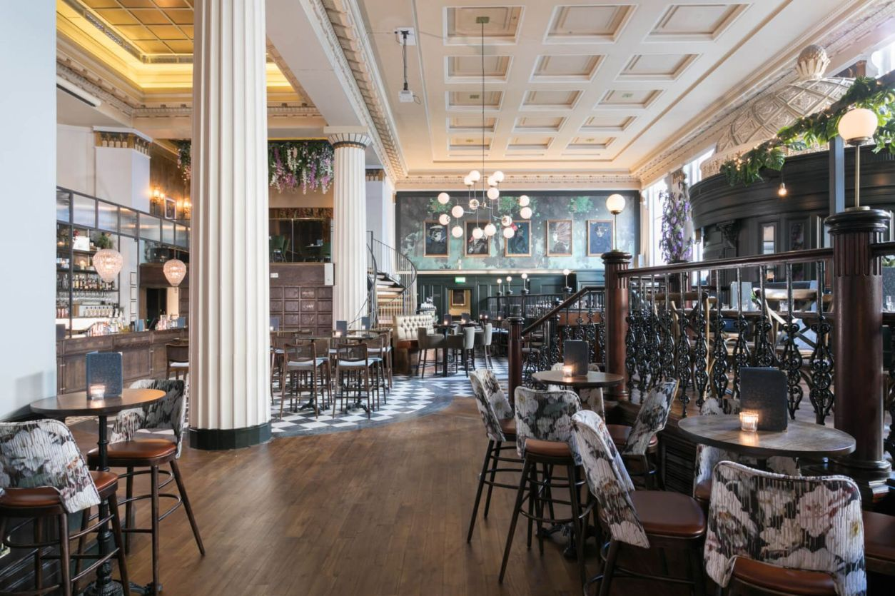 large-extravagent-restaurant-and-bar-at-the-lost-and-found-bottomless-brunch-birmingham
