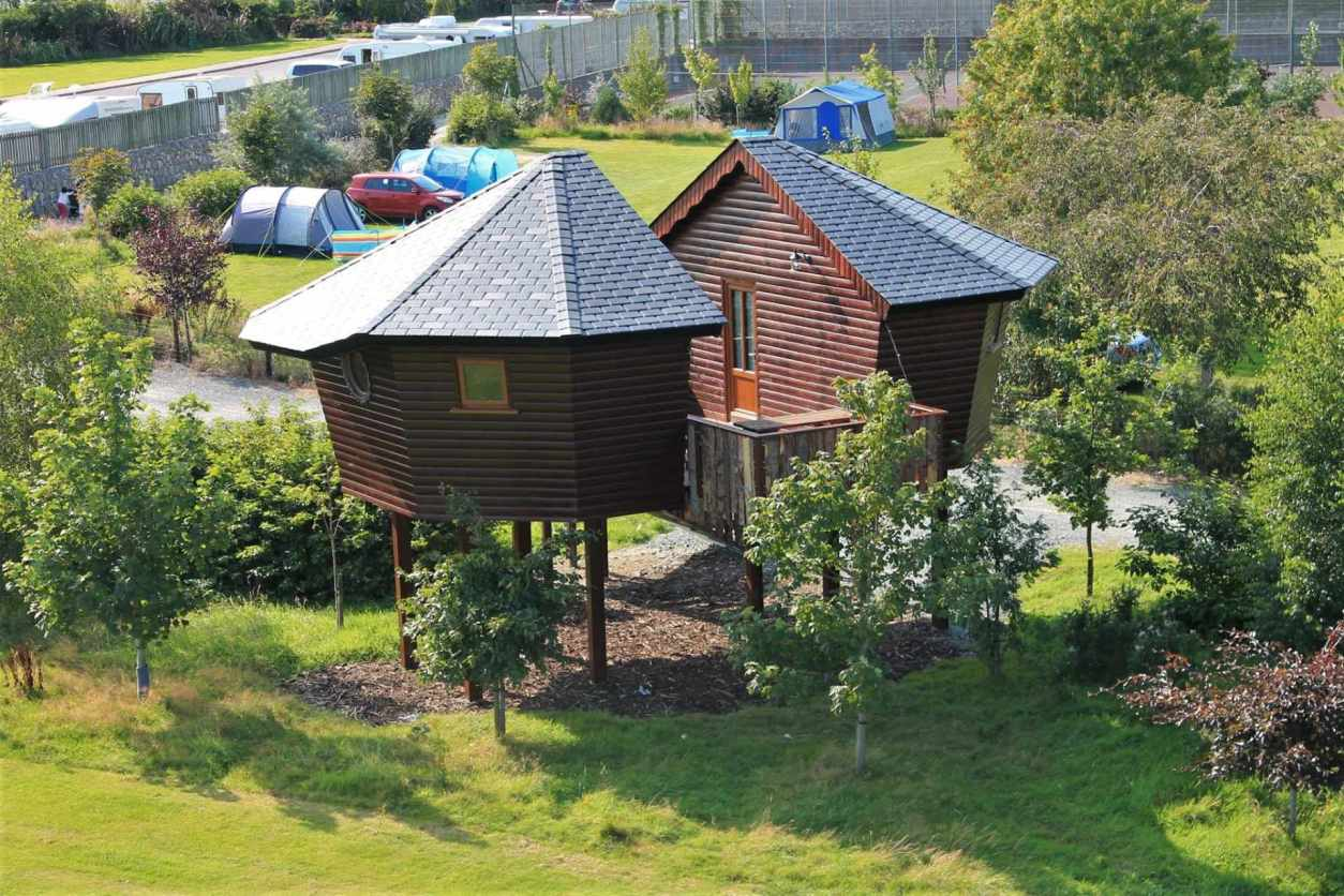 treehouse-in-camping-field-at-river-valley-holiday-park