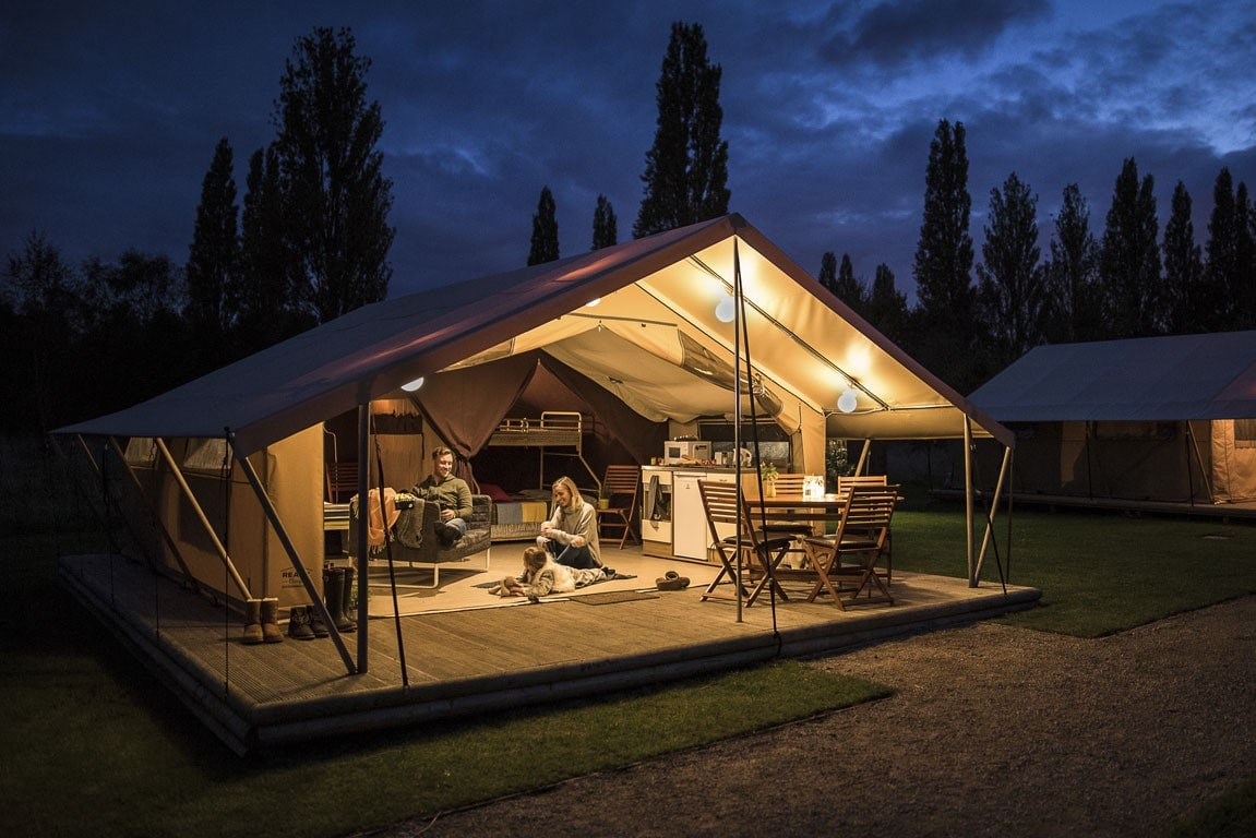 blackmore-ready-club-safari-tents-lit-up-at-night-glamping-worcestershire
