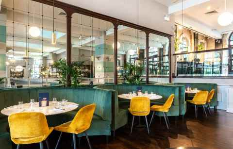 green-restaurant-booths-at-browns-brasserie-and-bar-bottomless-brunch-sheffield