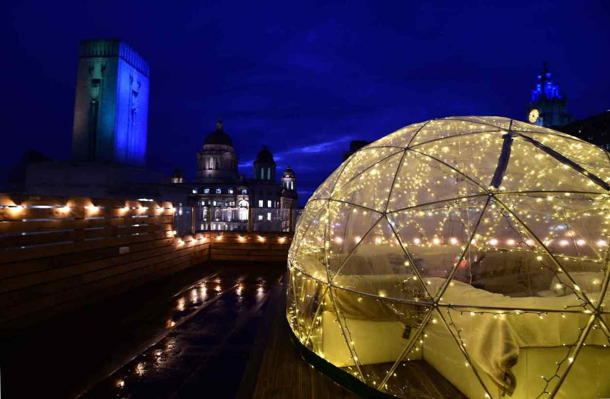 igloo-dome-lit-up-at-night-on-liberté-rooftop-best-cocktail-bars-liverpool