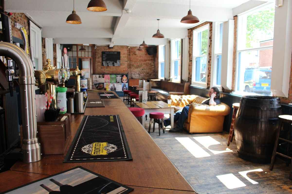 inside-the-angel-microbrewery-bar-with-craft-beer