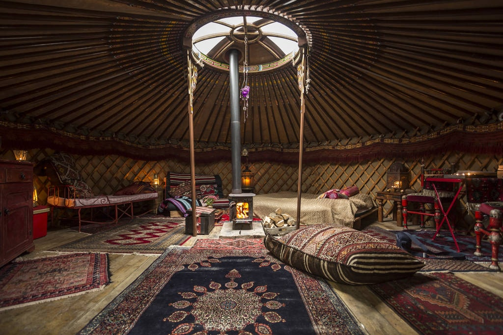 interior-of-the-kushti-yurt-in-the-forest-garden