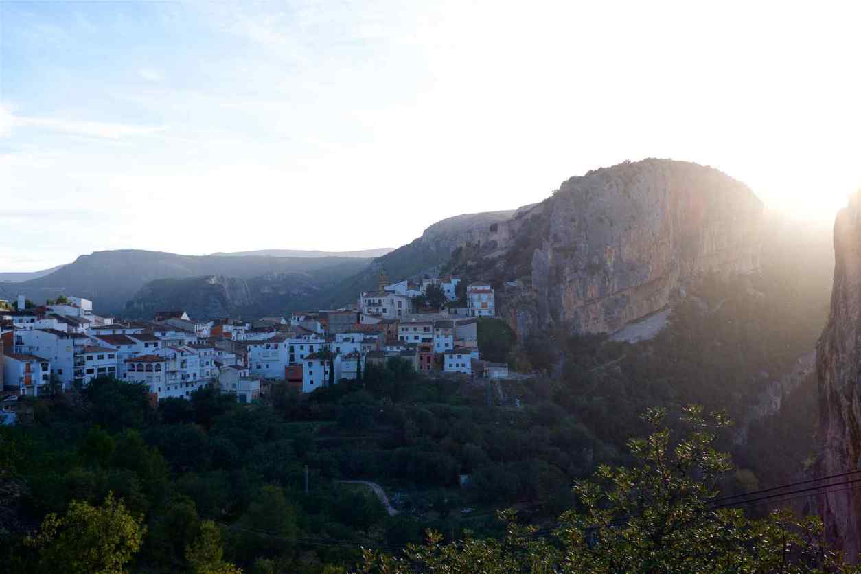 sunset-over-houses-on-mountain-in-chulilla-day-trips-from-valencia
