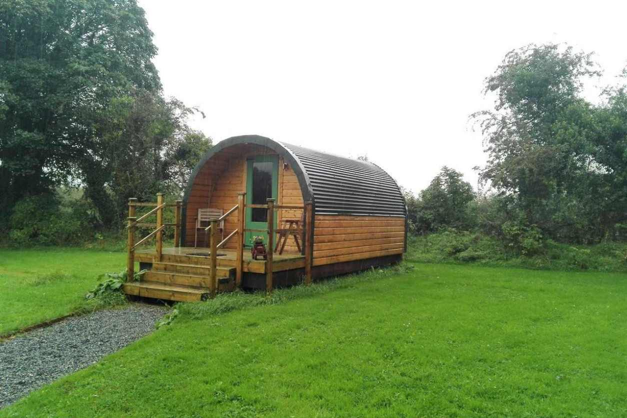 brown-carrigeen-glamping-pod-in-field