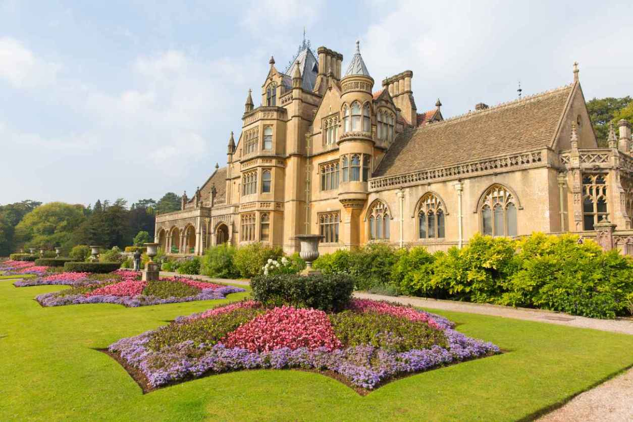 flower-gardens-in-front-of-tyntesfield-house-best-walks-in-somerset