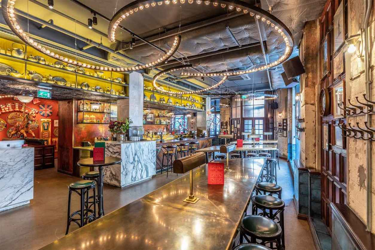 interior-of-flight-club-bar-and-restaurant-bottomless-brunch-shoreditch