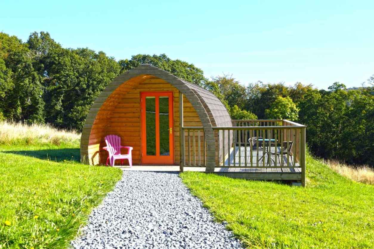 path-leading-to-butterfly-valley-pod-on-hill-glamping-kilkenny