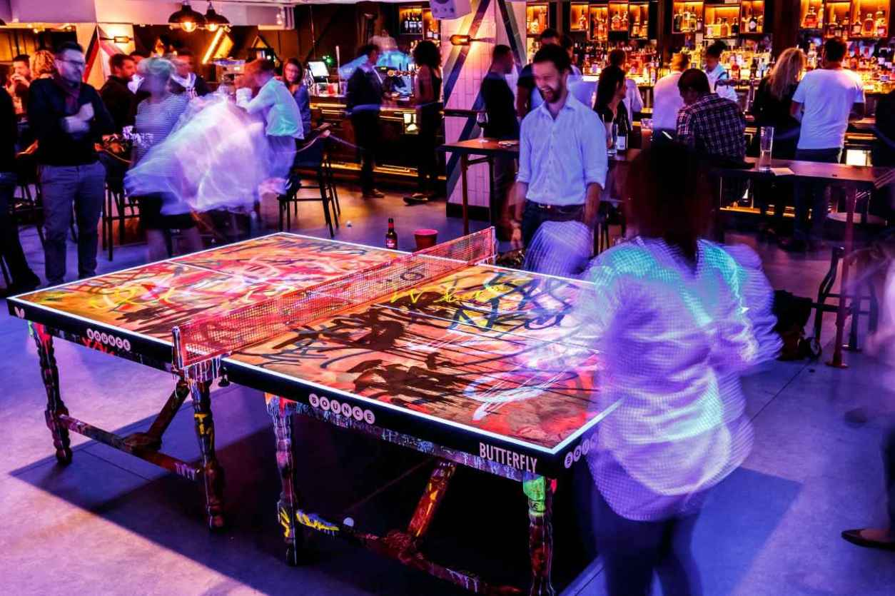 people-playing-ping-pong-in-bar-at-bounce-old-street-bottomless-brunch-shoreditch