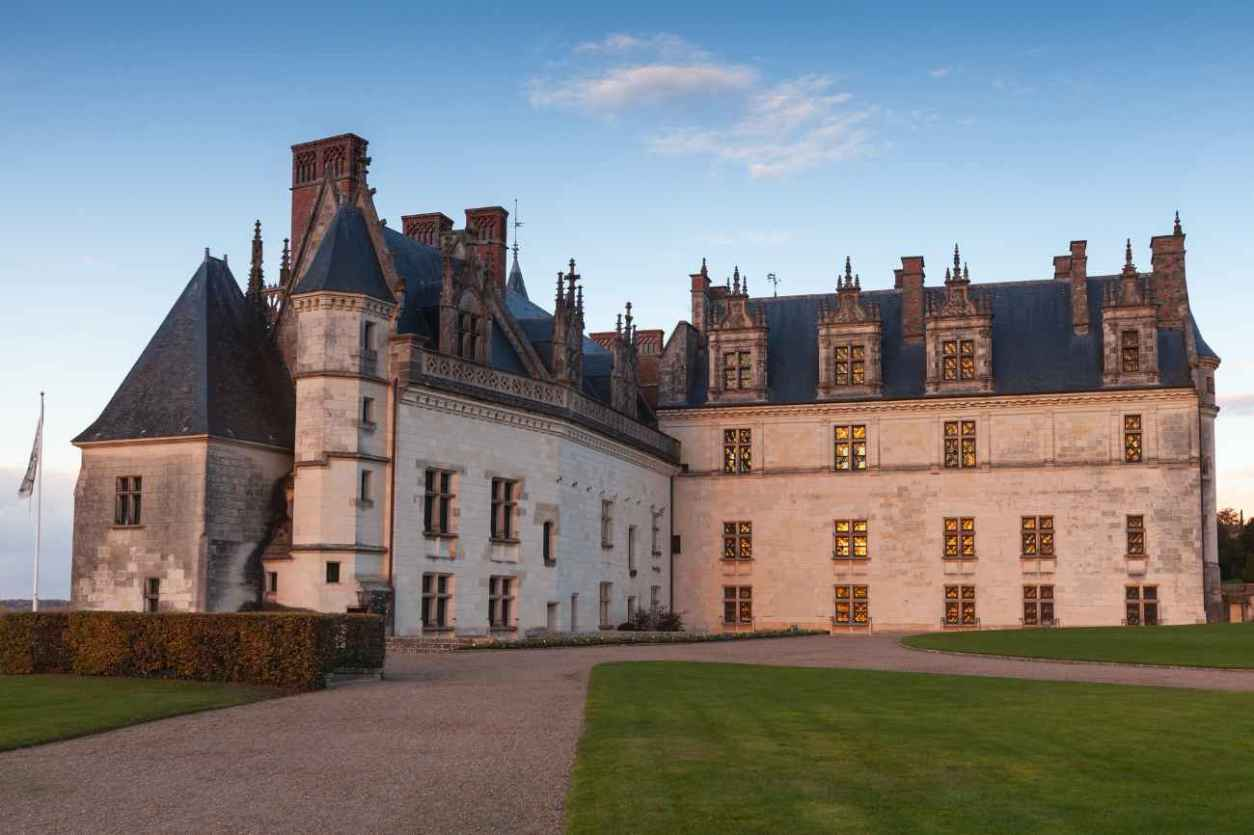side-of-château-d'amboise-at-sunset