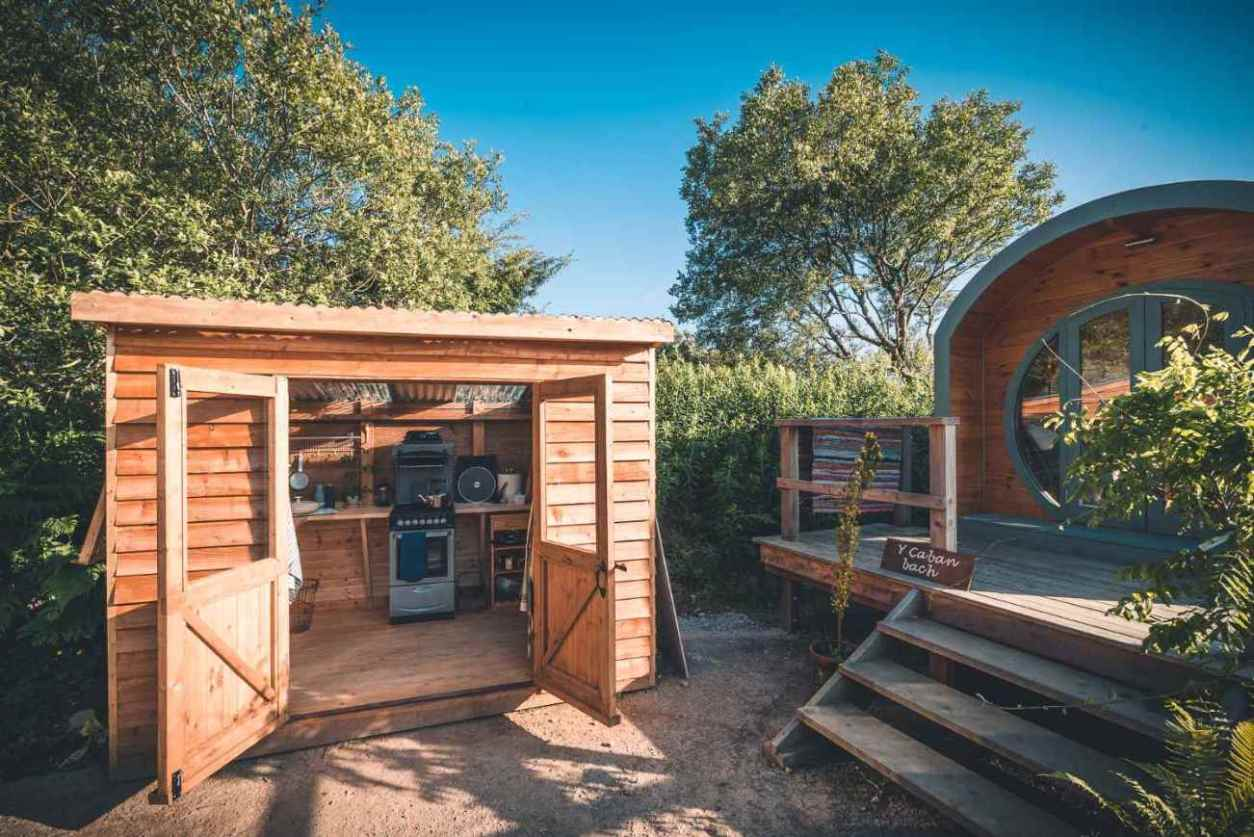 y-caban-bach-glamping-pod-and-kitchen-cabin-at-aros-yn-pentre-glas