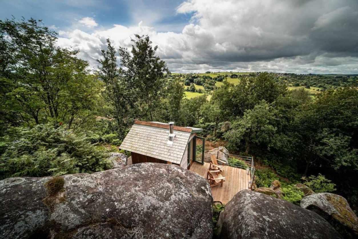 boulder-field-cabin-with-decking-overlooking-fields