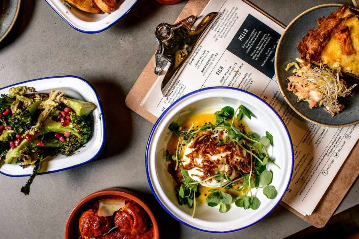 bowls-of-lunch-food-at-elnecot-bar-and-kitchen-bottomless-brunch-manchester