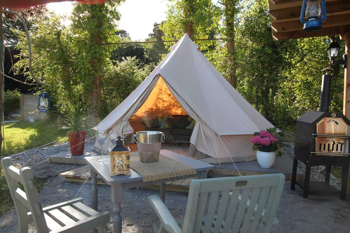lough-derg-glamping-bell-tent-with-outdoor-seating