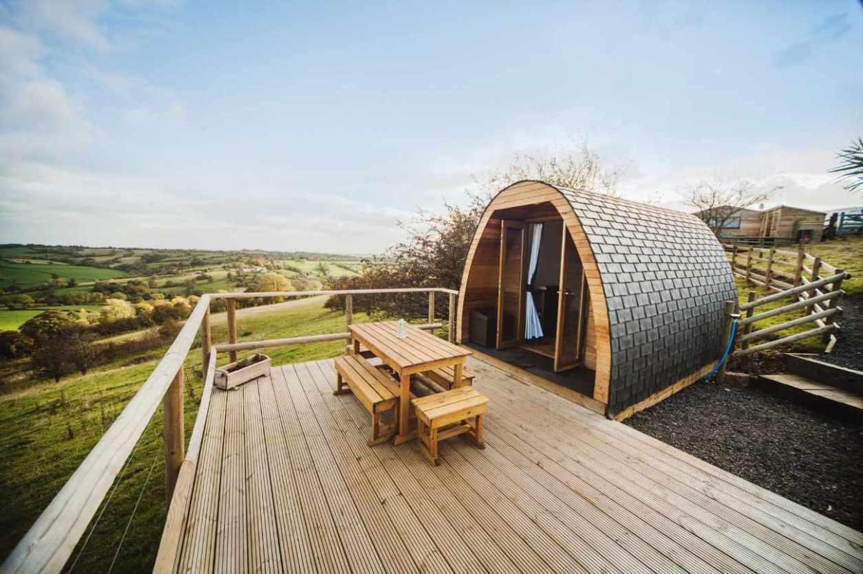 mulino-pod-on-decking-overlooking-fields-glamping-derbyshire