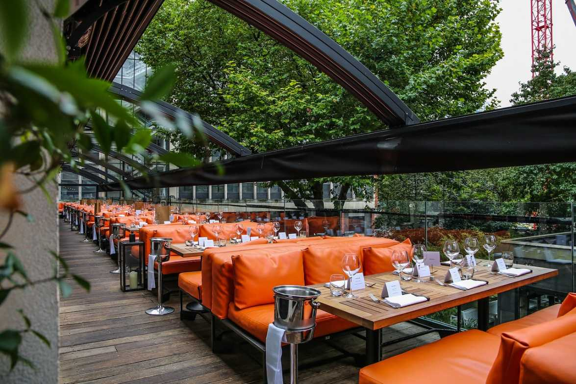 outdoor-seating-at-the-restaurant-bar-and-grill-bottomless-brunch-manchester