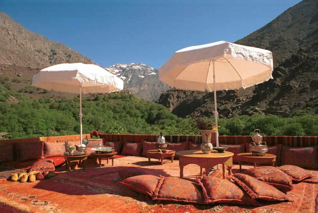 outdoor-terrace-seating-at-kasbah-du-toubkal-marrakech-itinerary