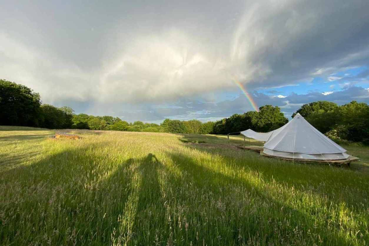 dandelion-bell-tent-at-star-field-glamping