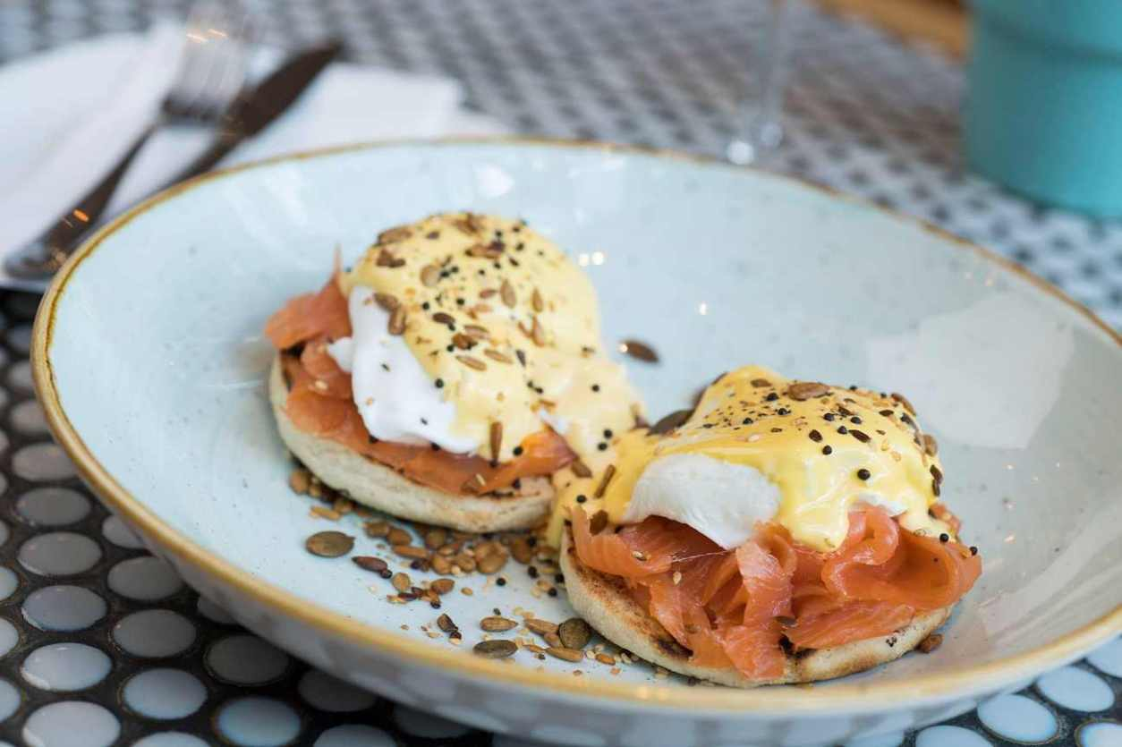 eggs-benedict-with-salmon-at-all-bar-one-bottomless-brunch-oxford