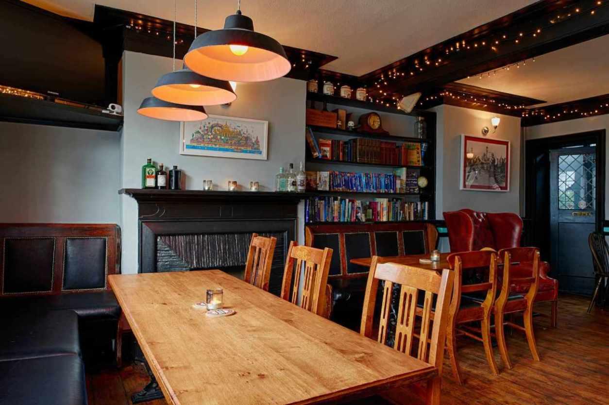 tables-inside-the-caxton-arms-pub