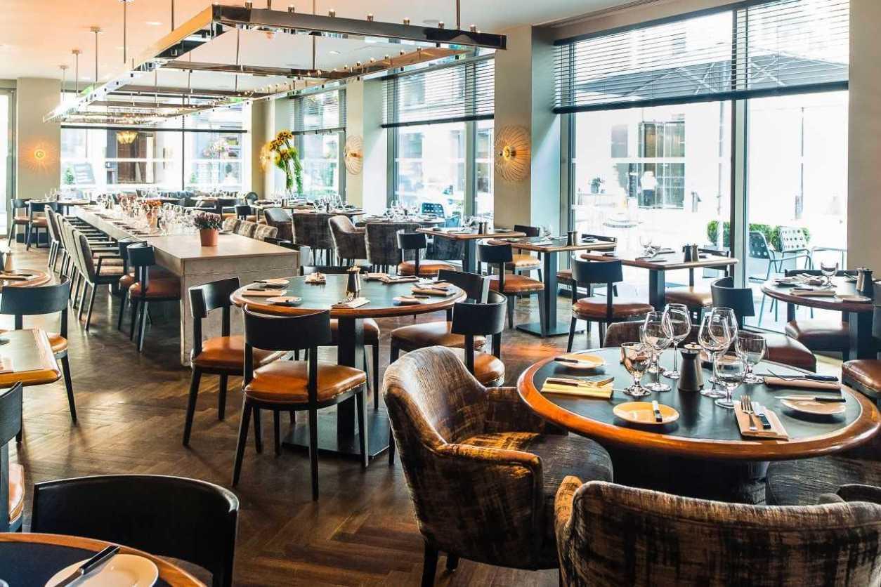 restaurant-inside-south-place-chop-house