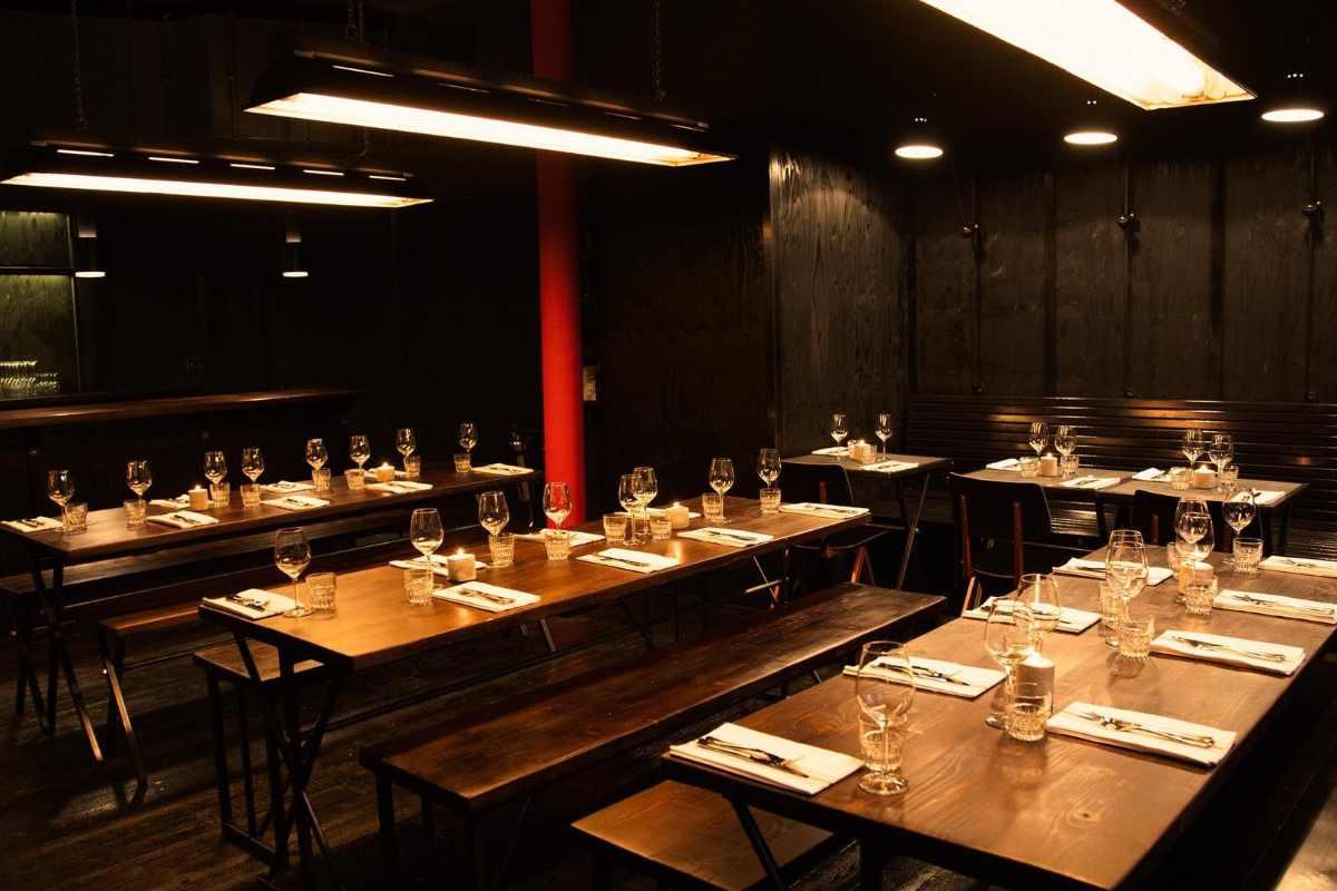 restaurant-tables-inside-hotbox-spitalfields