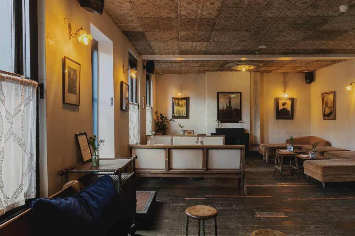 tables-inside-martello-hall