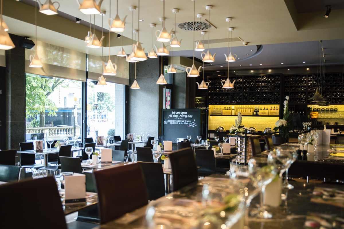 the-vincent-hotel-v-cafe-and-bar-bottomless-brunch-east-london