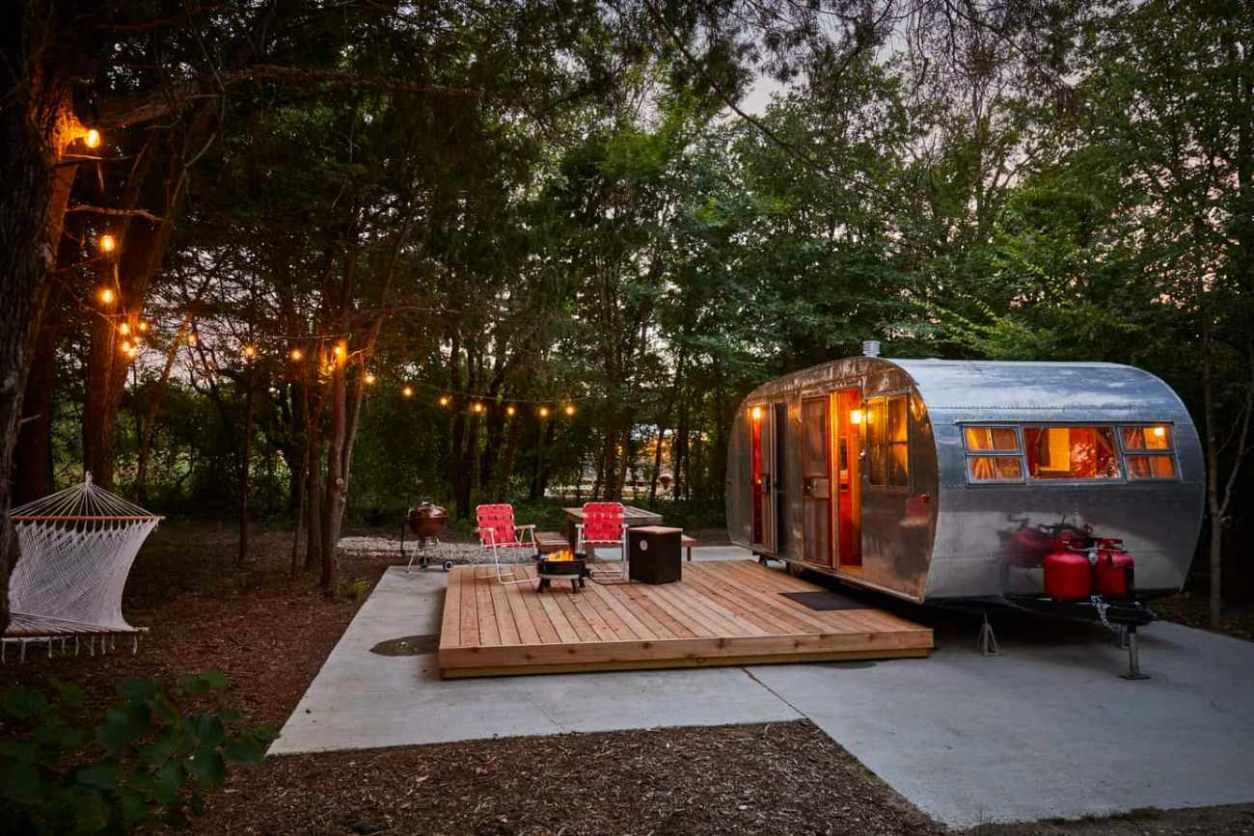 trailer-on-the-range-vintage-trailer-resort-glamping-texas
