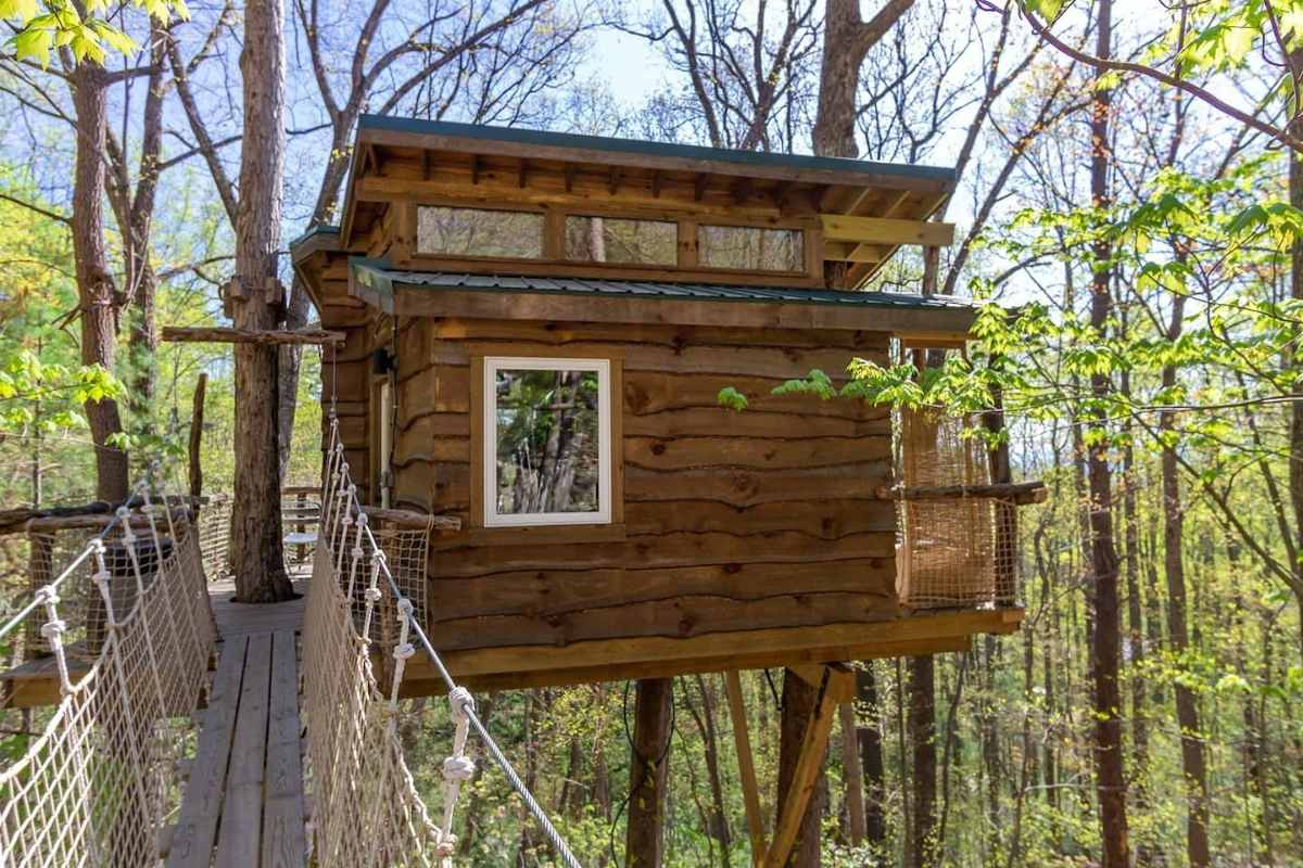odd-bits-farm-treehouse-treehouse-rentals-nc