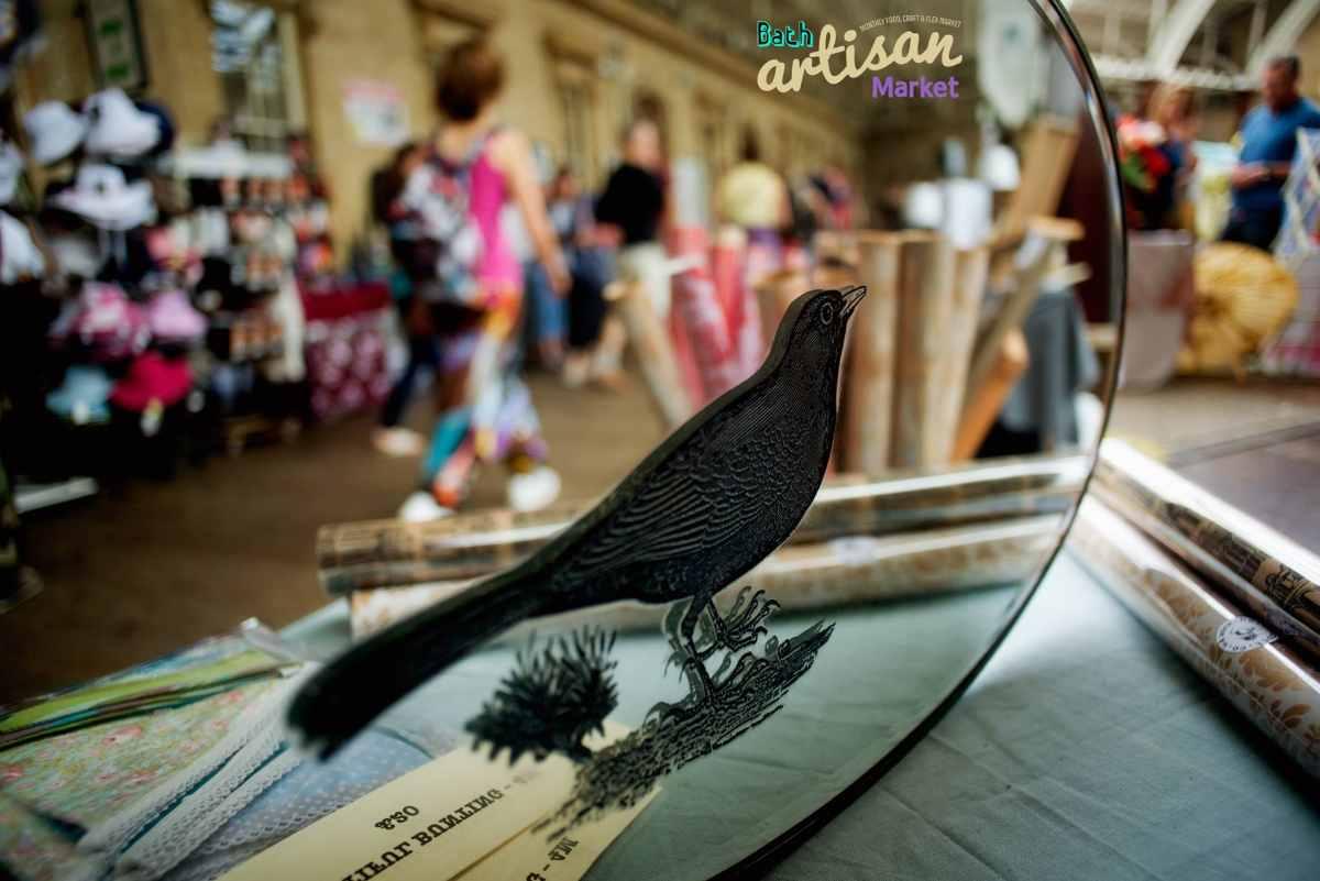 mirror-inside-bath-artisan-market