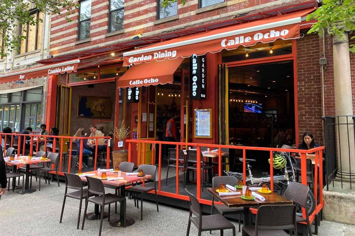outdoor-dining-tables-outside-calle-ocho-restaurant