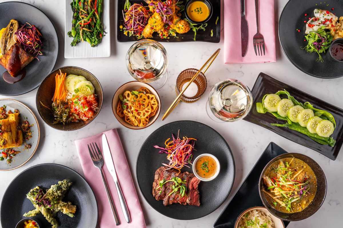 bowls-of-food-on-table-at-liberté-cocktail-bar