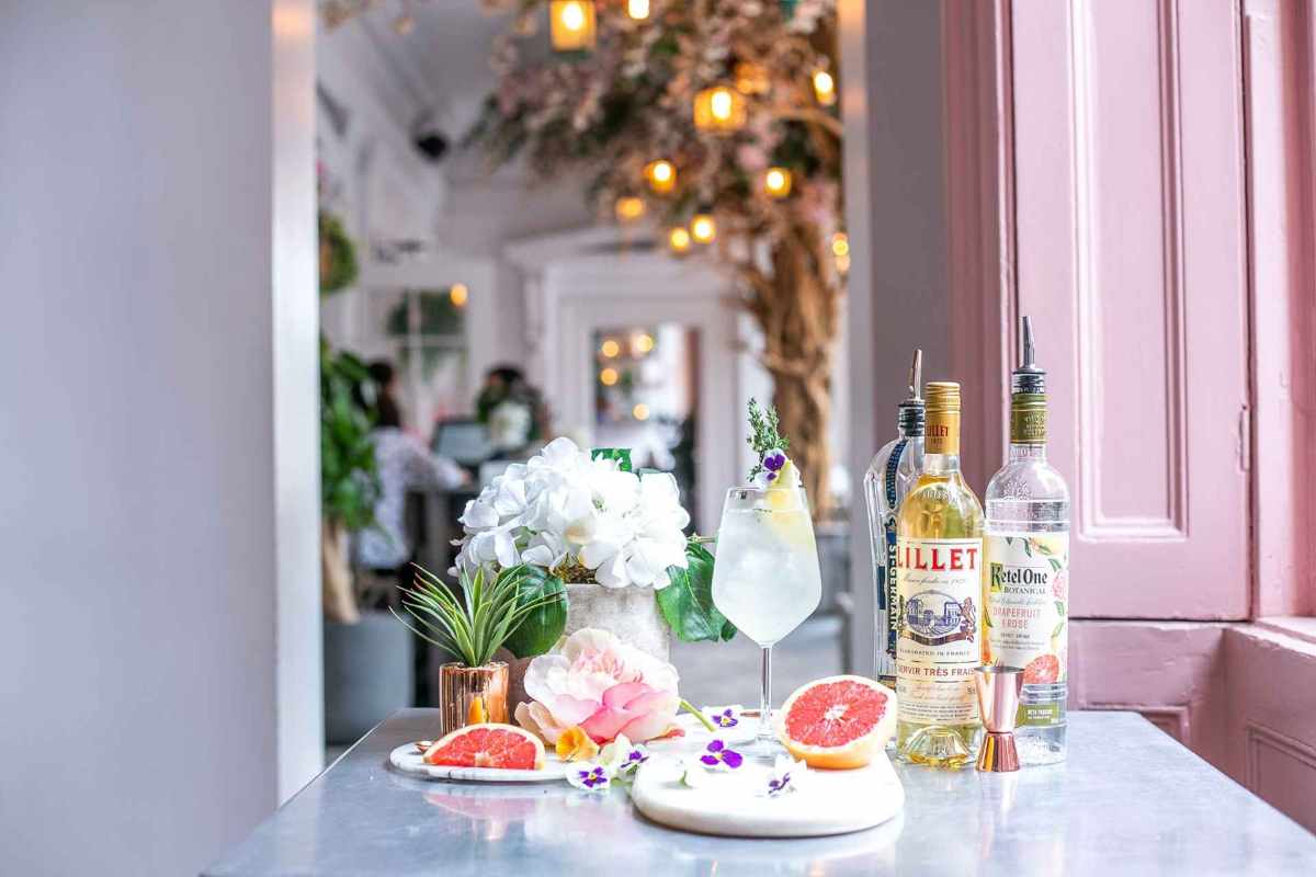 cocktails-on-table-of-pink-pastel-the-florist-bar-bottomless-brunch-liverpool