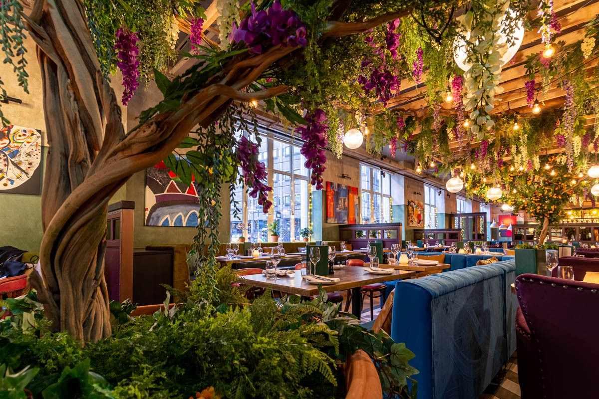 interior-of-el-gato-negro-restaurant-bottomless-brunch-liverpool