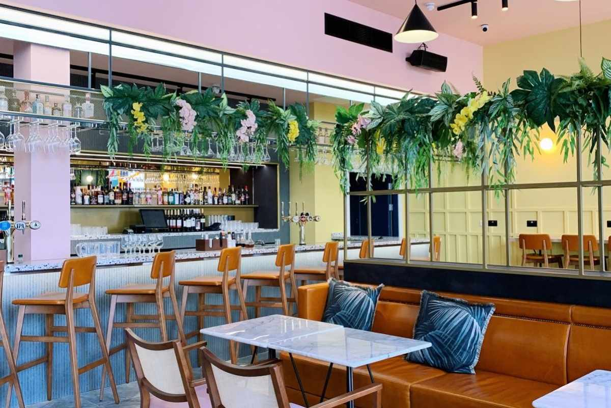 interior-of-masons-kitchen-and-bar-bottomless-brunch-liverpool