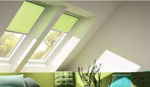 dachfenster rollos die l sung f r jede jahreszeit leben mit farbe und stil. Black Bedroom Furniture Sets. Home Design Ideas