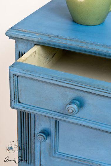 Schränkchen in Greek Blue