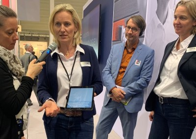 Sikkens App mit Marketing Chefin Ulrike Jankowsky (rechts)