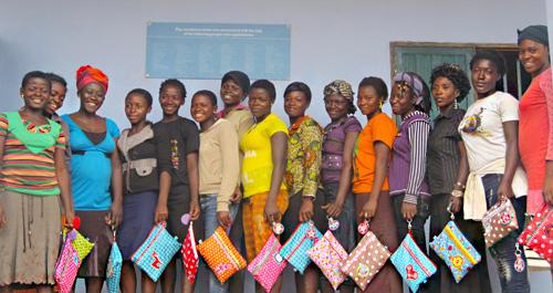 Schneiderwerkstatt in Kamerun, Nahow.de, farbenmix.de