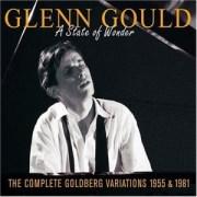 "Prima versione – Interpretazione ""Variazioni Goldberg"" di J.S. Bach. Esecutore: Glenn Gould, 1955 http://en.wikipedia.org/wiki/The_Goldberg_Variations_28Gould_album29"