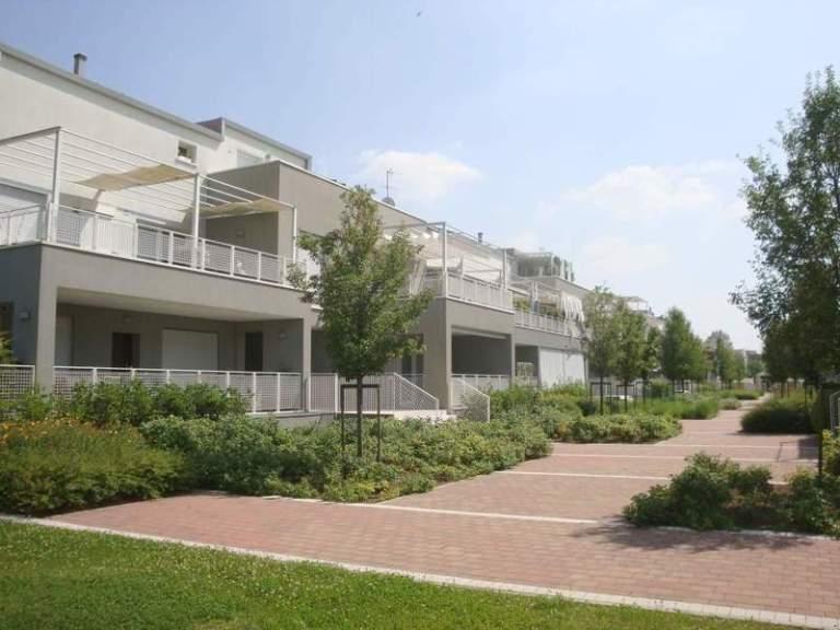 Condominio Green Park: vista del prospetto verso il giardino interno