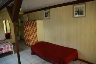 Petit bungalow : lit simple pour personne supplémentaire (option)