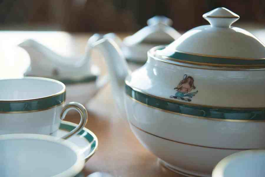 tea service with Wallop crest