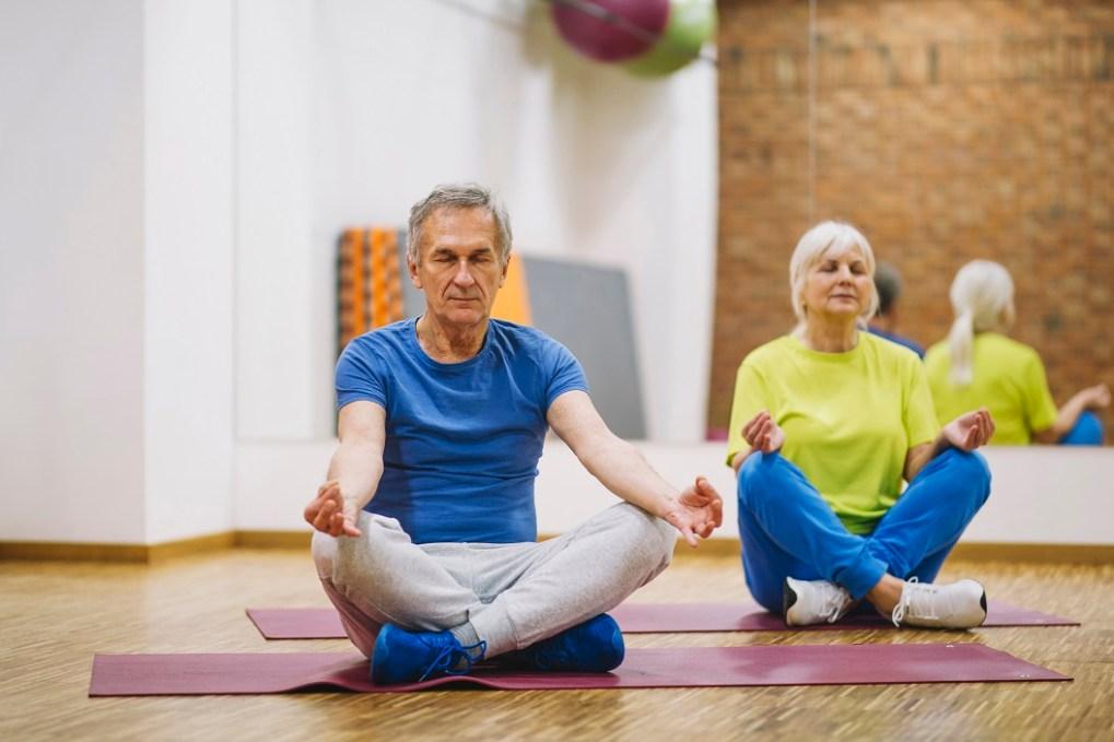 curar las migrañas con yoga