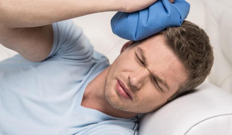 Golpe en la cabeza que causa dolores de cabeza