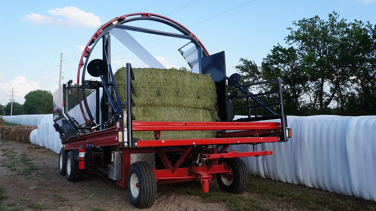 The Stinger Cube-Line 4010 :Bale wrapper