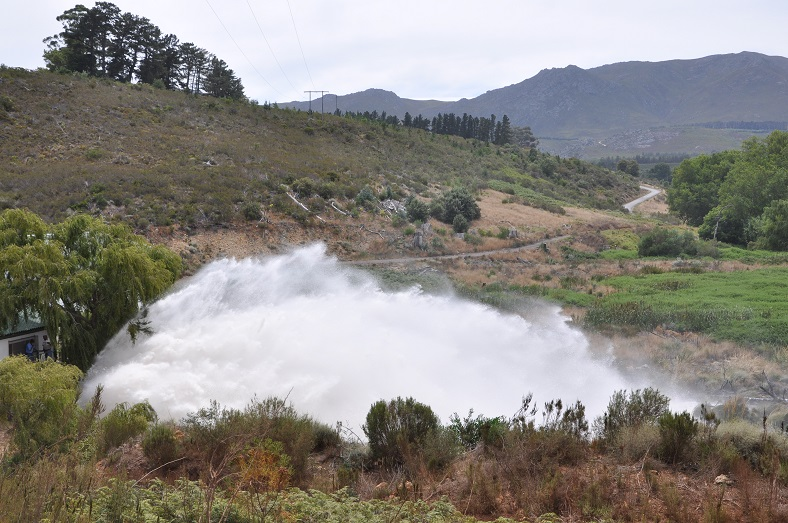 Tru-Cape growers contribute to massive water donation.